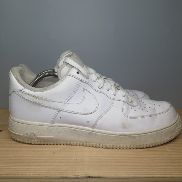 Nike Air Force 1 07 Low Men Triple White Size 10.5